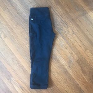 Fabletics cropped legging